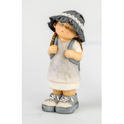 Figura niña de excursion